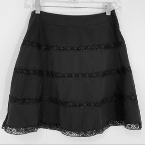 The Limited Skirt w. Laced detailing throughout